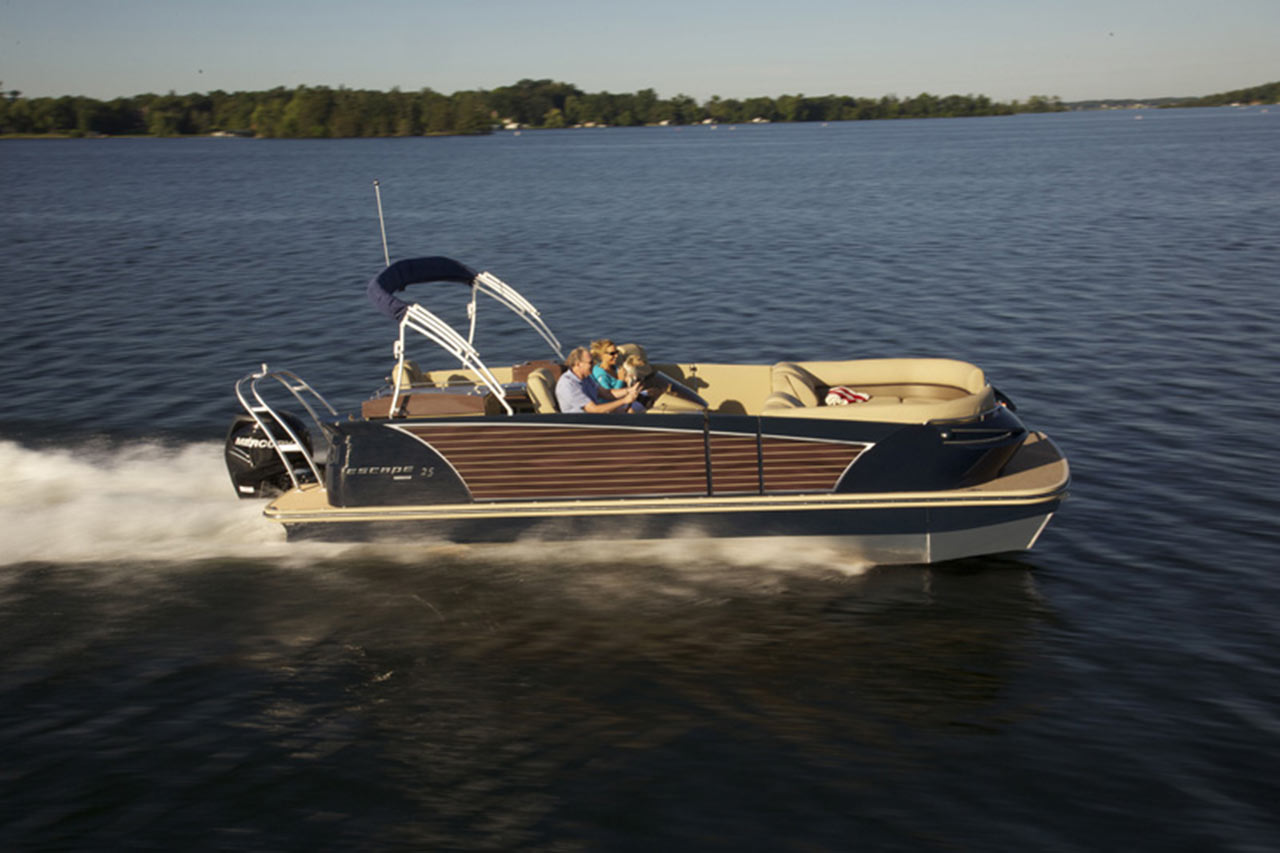 Larson Escape 25 Pontoon